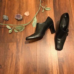 Enzo Angiolini Black Block Heel Square Toe Heels